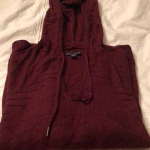 Sweater w hood Americian Eagle outfitters small